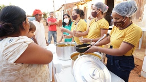 More than 150 residents have already been fed. [Photo Credit: Ivo Araujo]